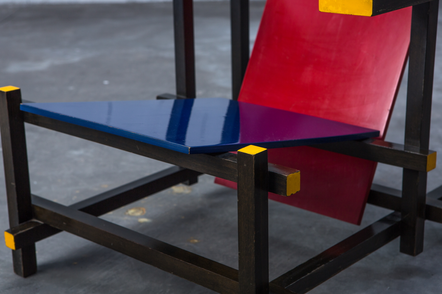 Early Red & Blue chair - Gerrit Rietveld for Cassina signed n.23 - Seat