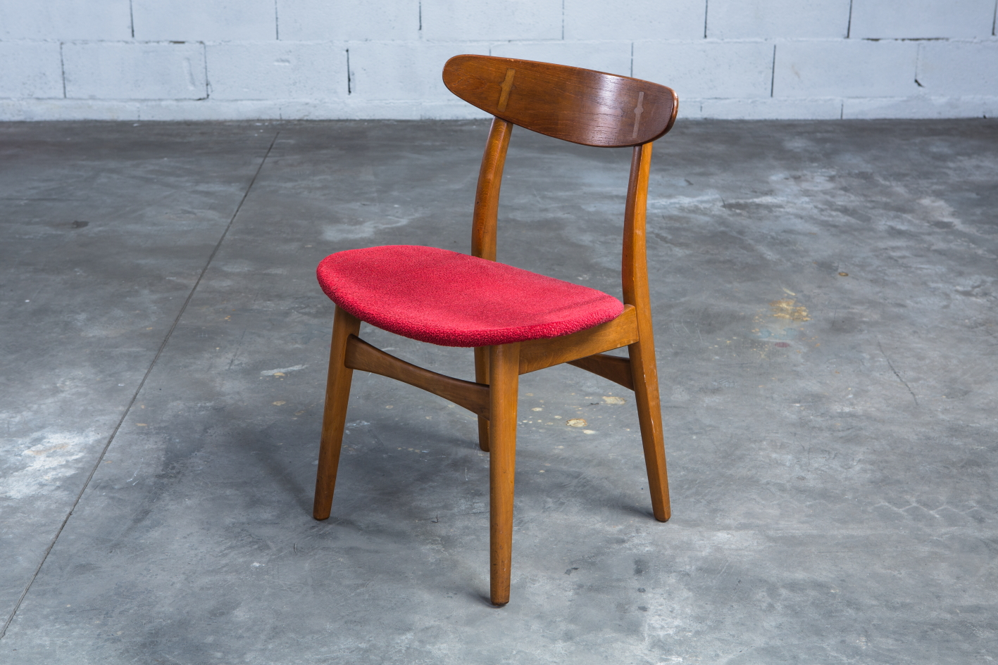 CH 30 chairs - Hans J. Wegner for Carl Hansen - 3/4 front view