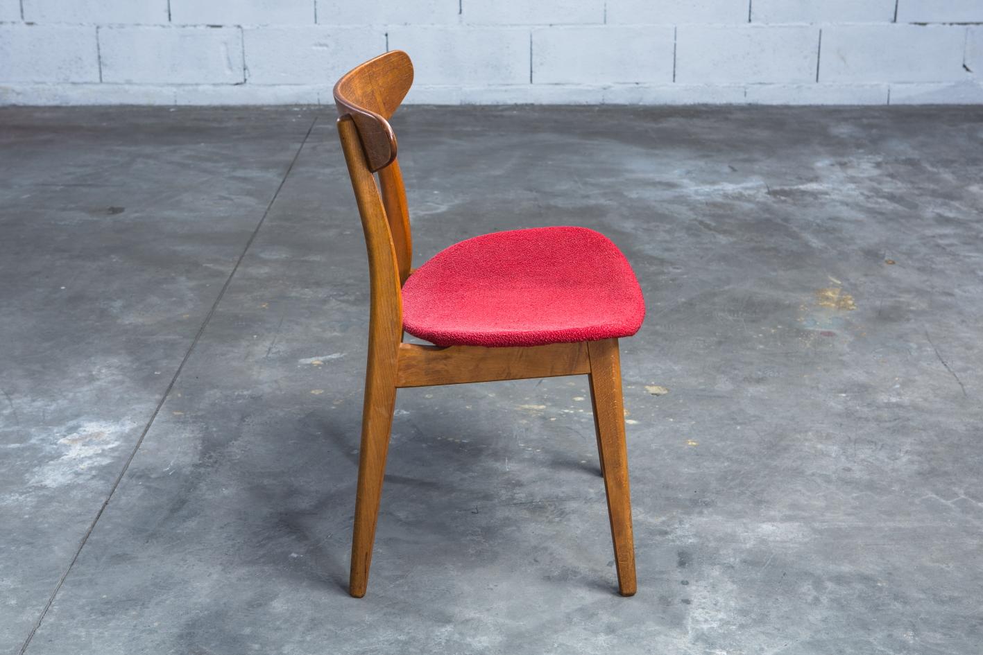 CH 30 chairs - Hans J. Wegner for Carl Hansen - Side view