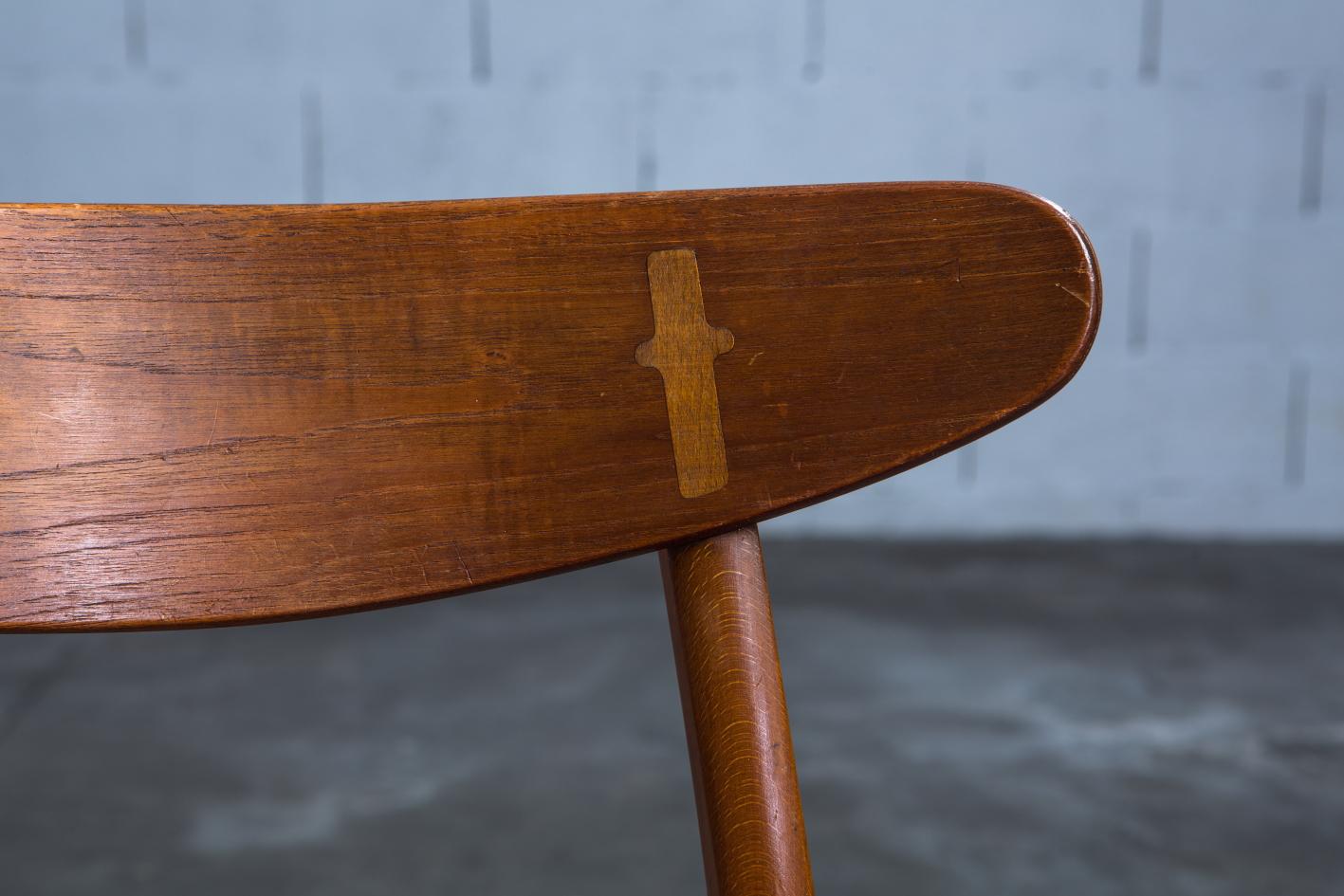 CH 30 chairs - Hans J. Wegner for Carl Hansen - Wood joint detail