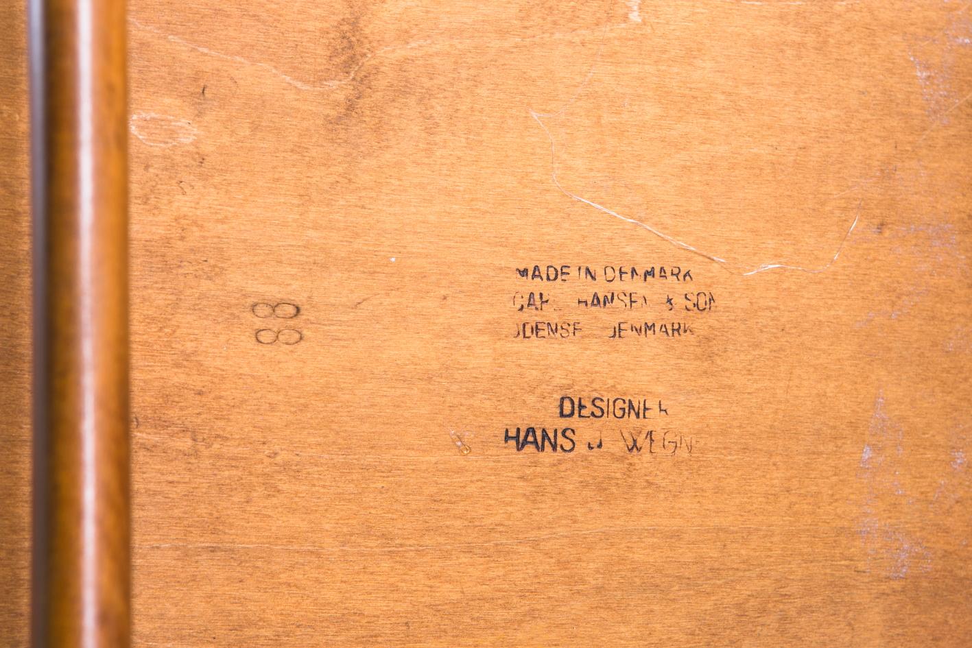 CH 30 chairs - Hans J. Wegner for Carl Hansen - Stamp Logo Mark