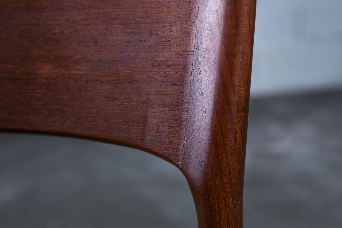 mid century teak danish chairs - Korup Stolefabrik - Teak detail