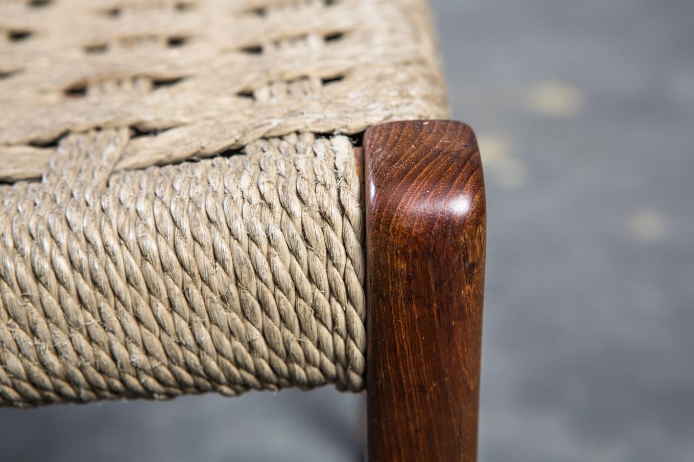 Model 71 chairs - Niels O. Møller for J.L. Møller - Detail