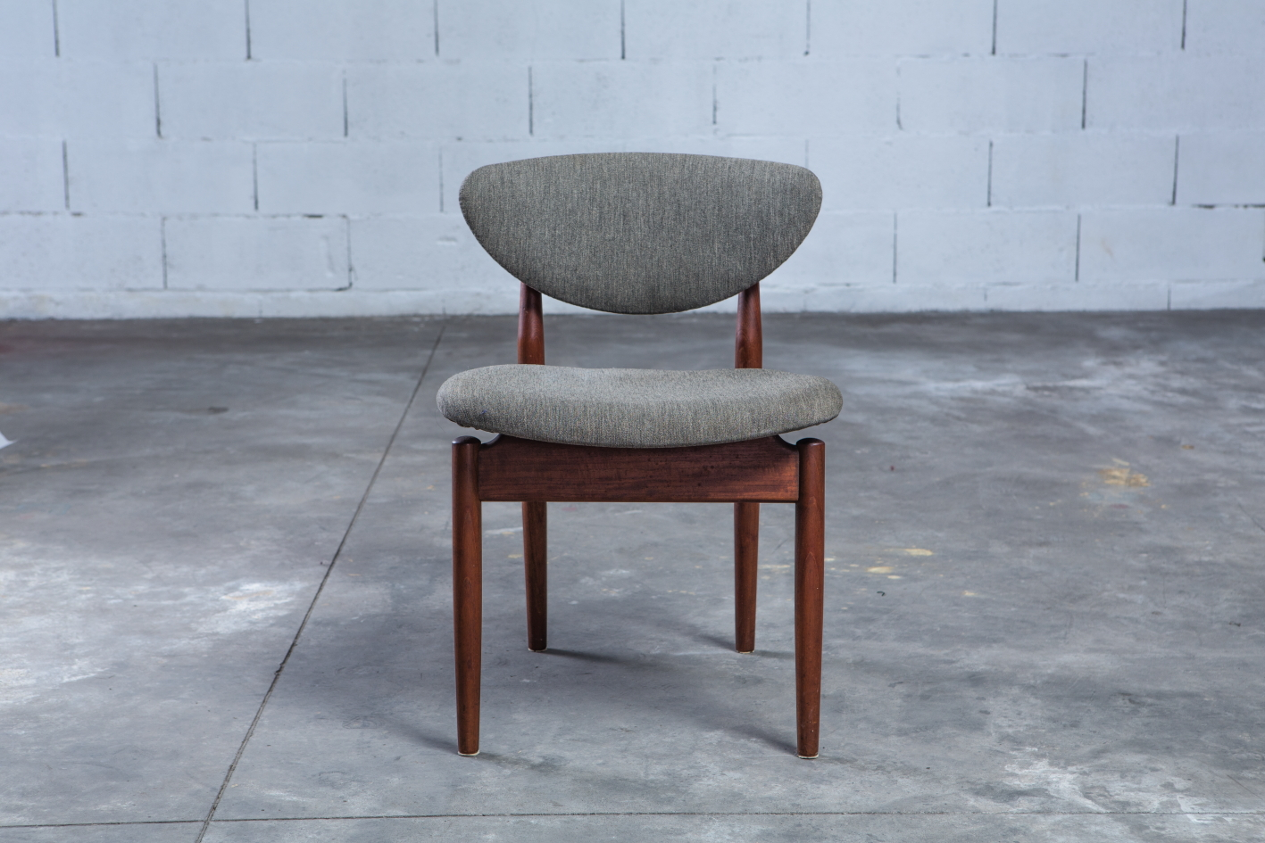 NV108 - Fj55 chairs - Finn Juhl for Niels Vodder - Front view