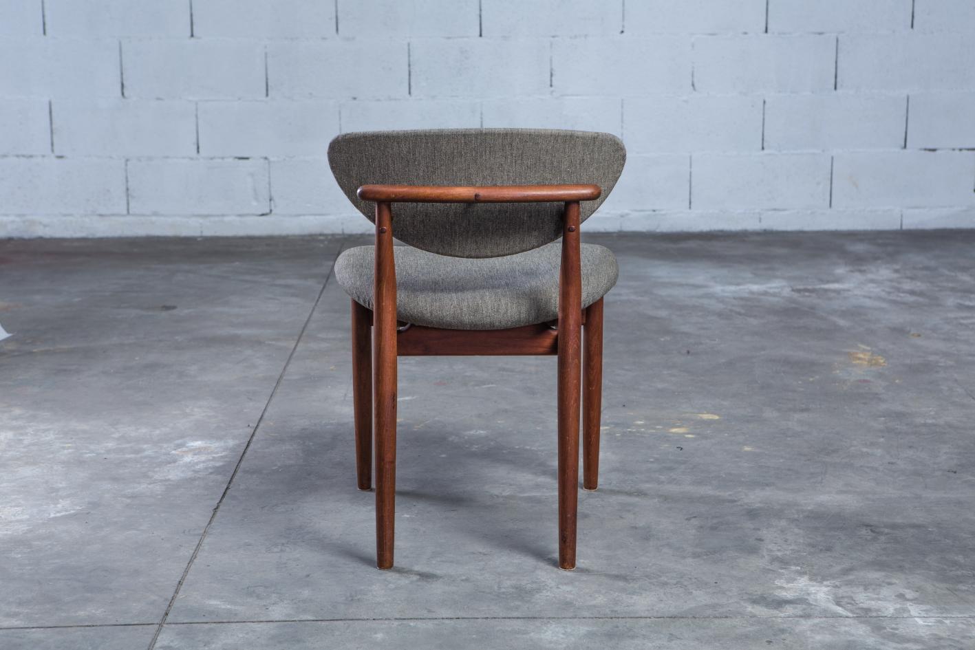 NV108 - Fj55 chairs - Finn Juhl for Niels Vodder - Back view