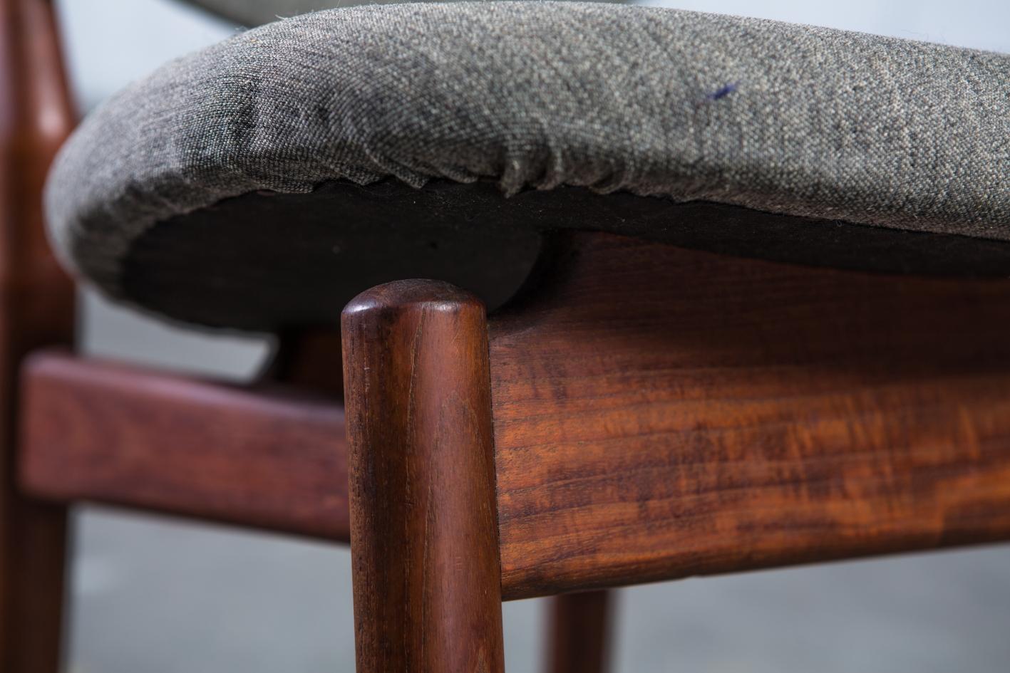 NV108 - Fj55 chairs - Finn Juhl for Niels Vodder