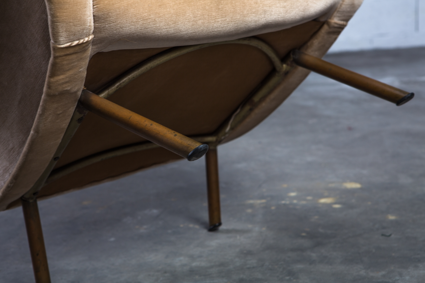 Senior lounge chair - Marco Zanuso for Arflex - Frame detail