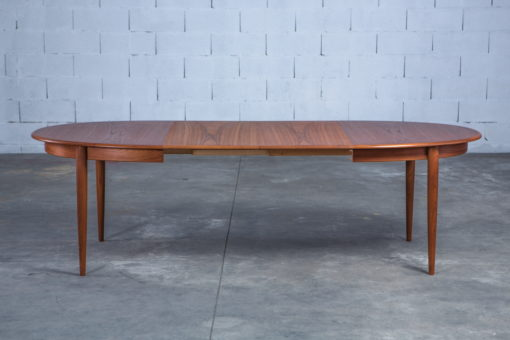 Extendable 1960s danish oval dining table - Gudme Mobelfabrik