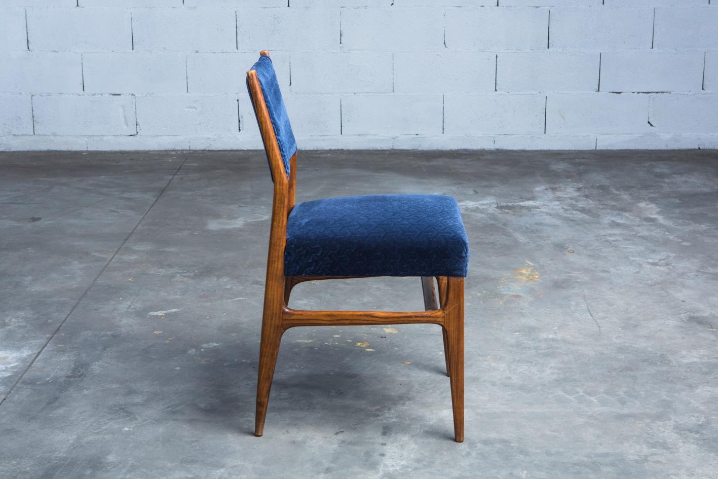 Six chairs designed by Gio Ponti for Figli di Amedeo Cassina (1950s) -Profile