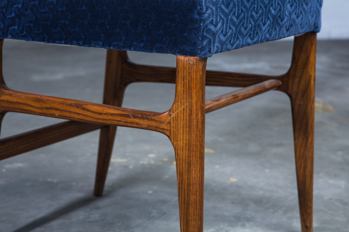 Six chairs designed by Gio Ponti for Figli di Amedeo Cassina (1950s) - Legs detail