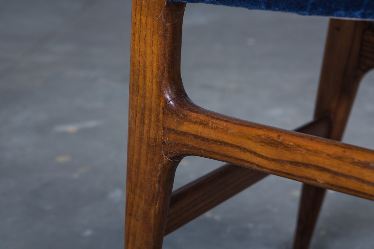 Six chairs designed by Gio Ponti for Figli di Amedeo Cassina (1950s) - Frame detail