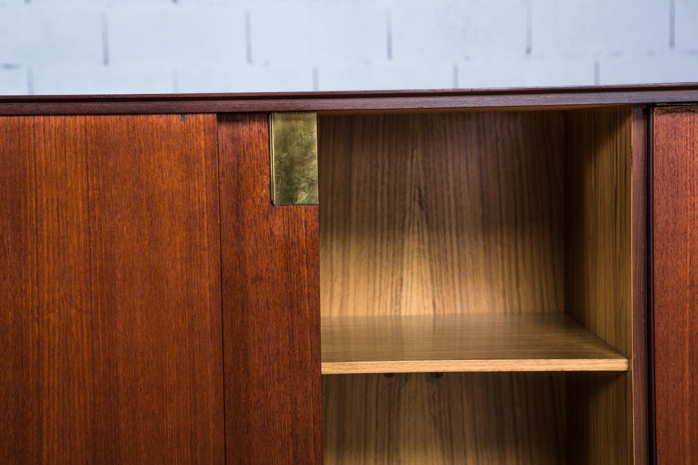 Teak sideboard - Palutari for Dassi - Brass detail
