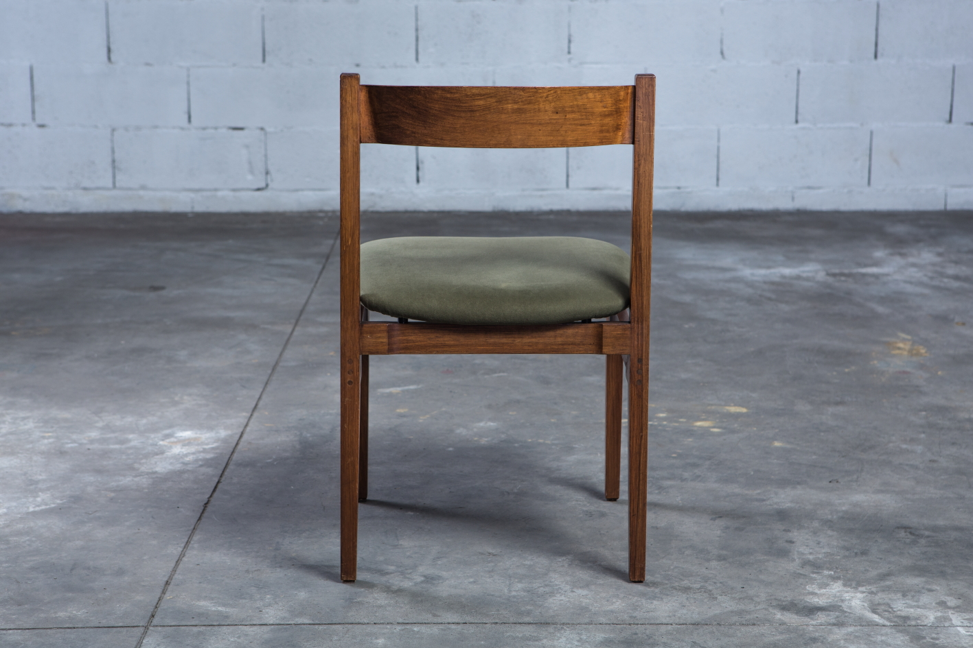 Model 104 chairs by Gianfranco Frattini for Cassina - Back view
