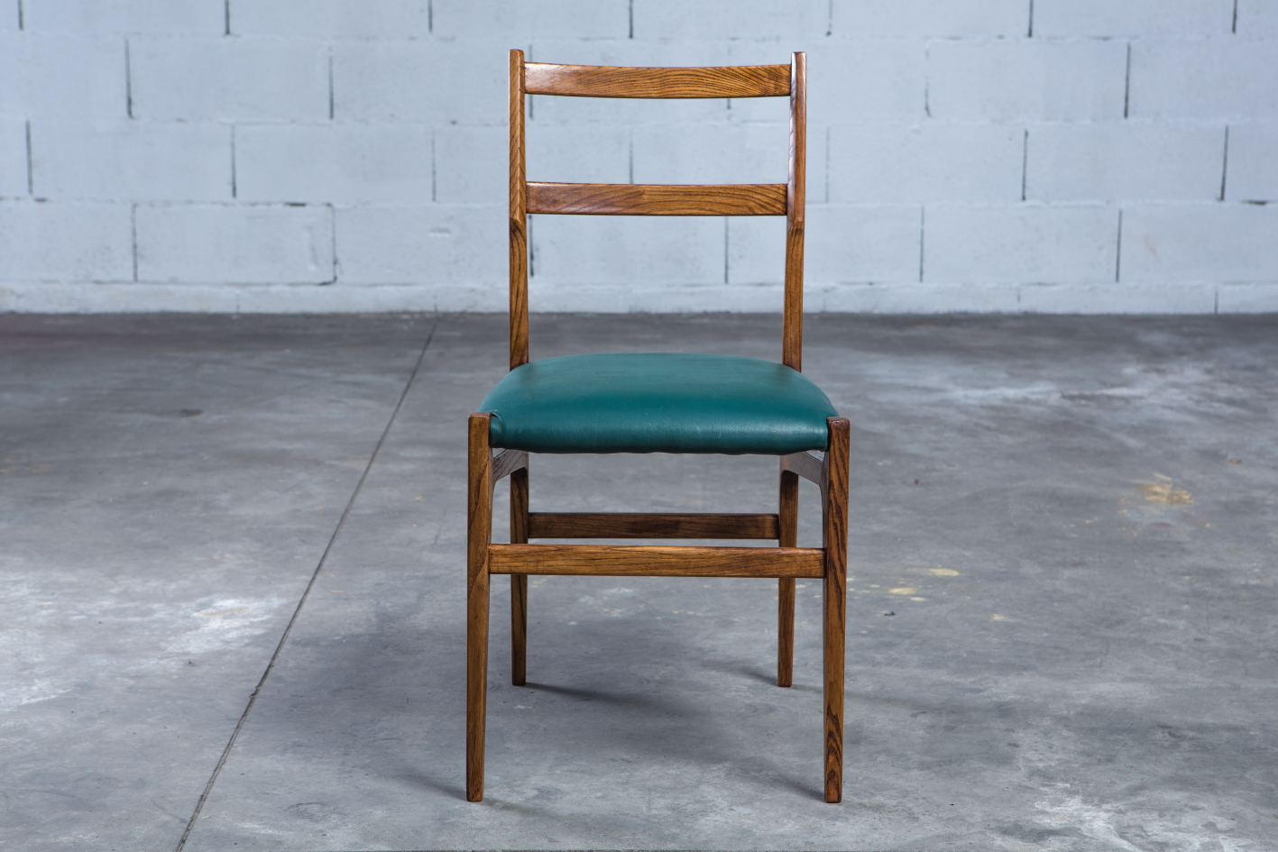 Rare set of 14 chairs for the ''Parco dei Principi'' Hotel - Gio Ponti for Cassina 1965 - Front view