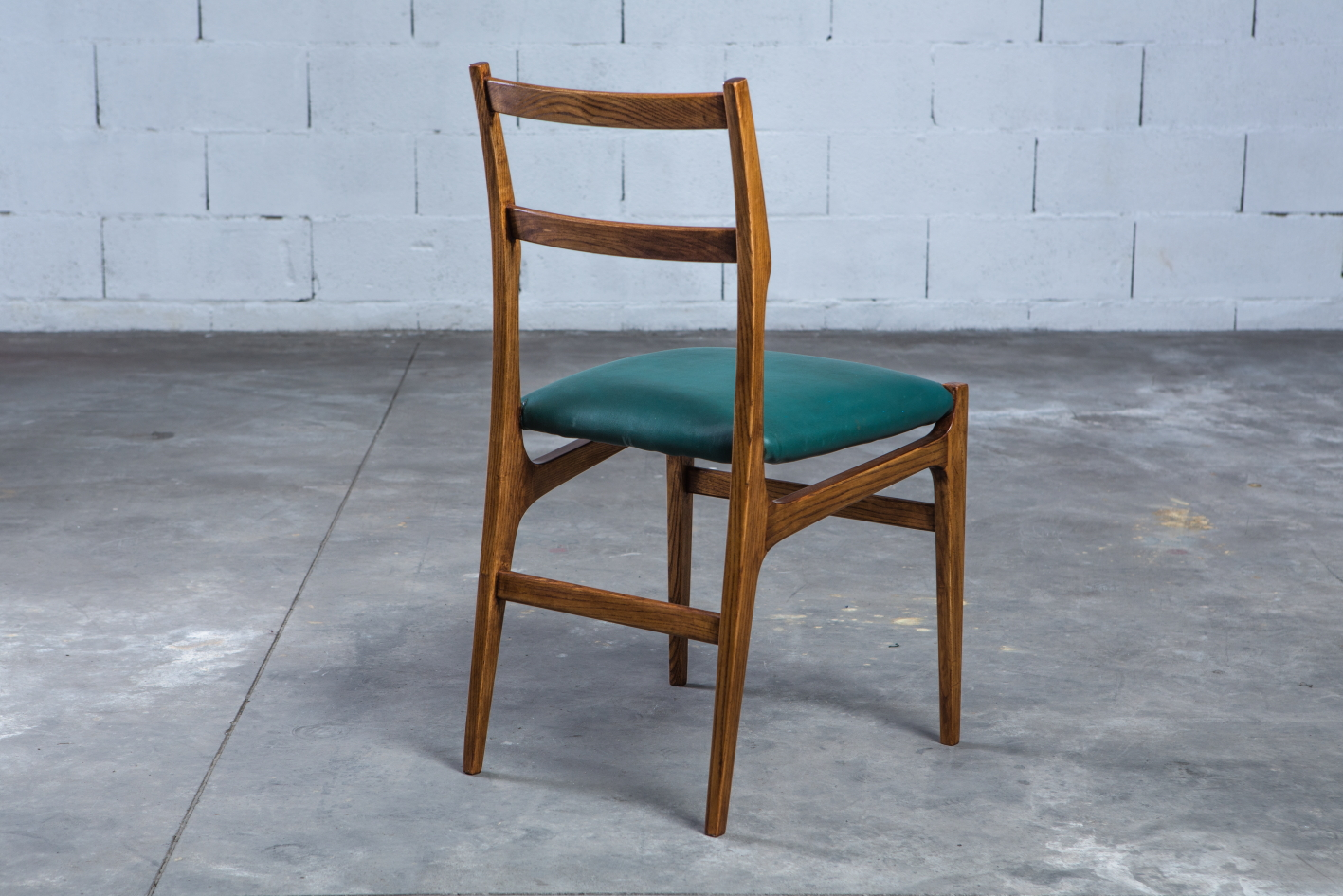 Rare set of 14 chairs for the ''Parco dei Principi'' Hotel - Gio Ponti for Cassina 1965 - 3/4 back view