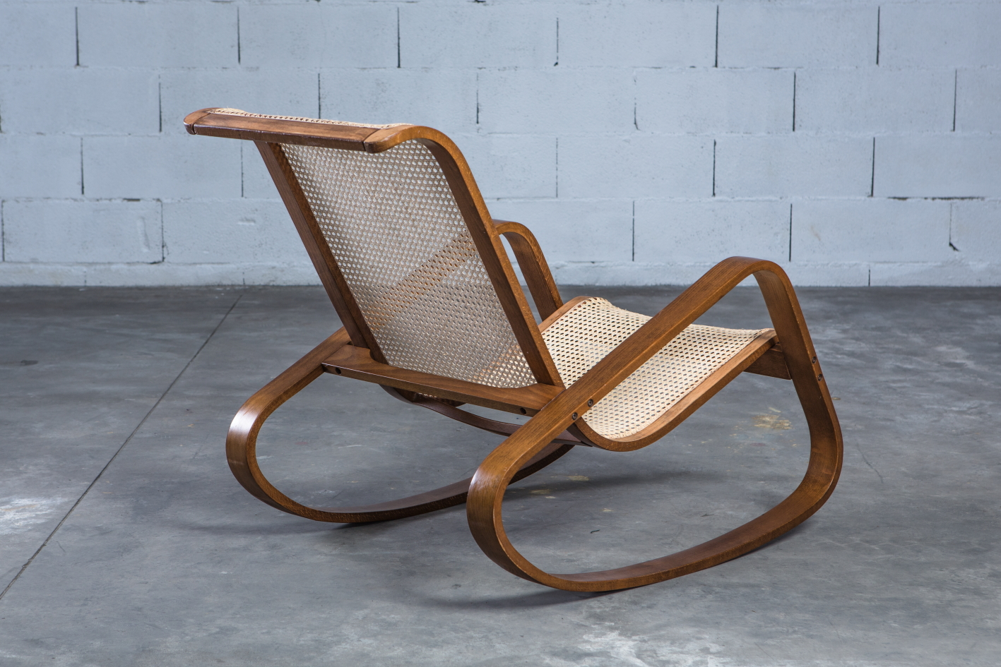 Dondolo rocking chair by Luigi Crassevig 1970s - 3/4 back view