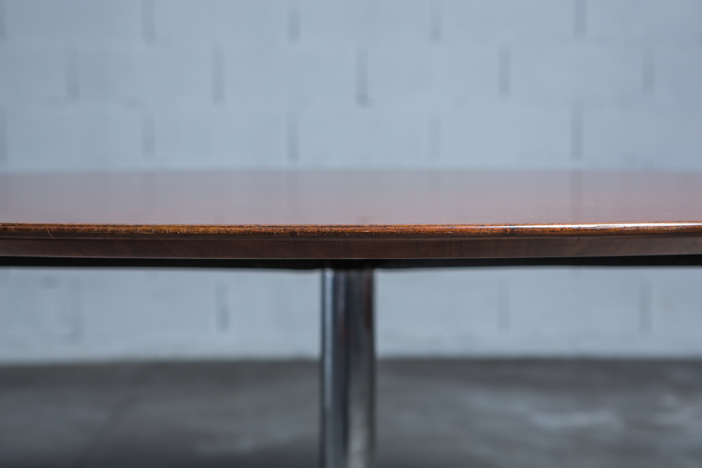 Conference or dining round table Florence Knoll 1960s - Wood