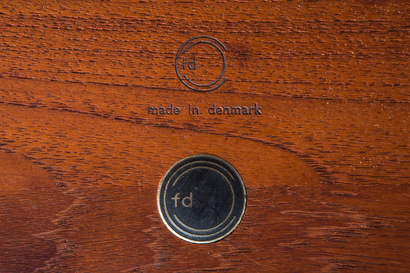 FD 12/50 round table - Peter Hvidt Orla Molgaard - France & Daverkosen label mark