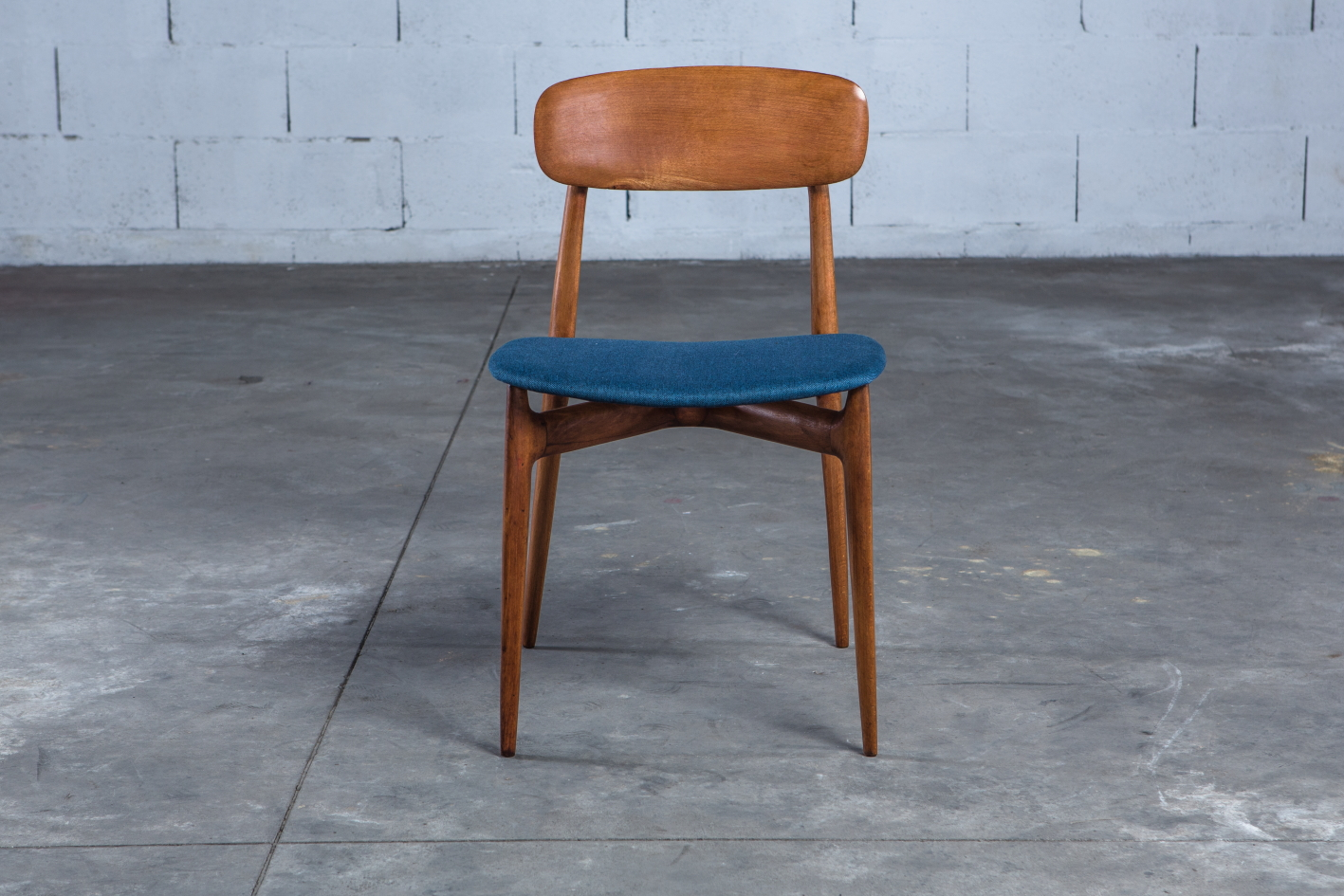 4 Mid century Vintage Italian dining chairs Ico Parisi 1950s - Front view