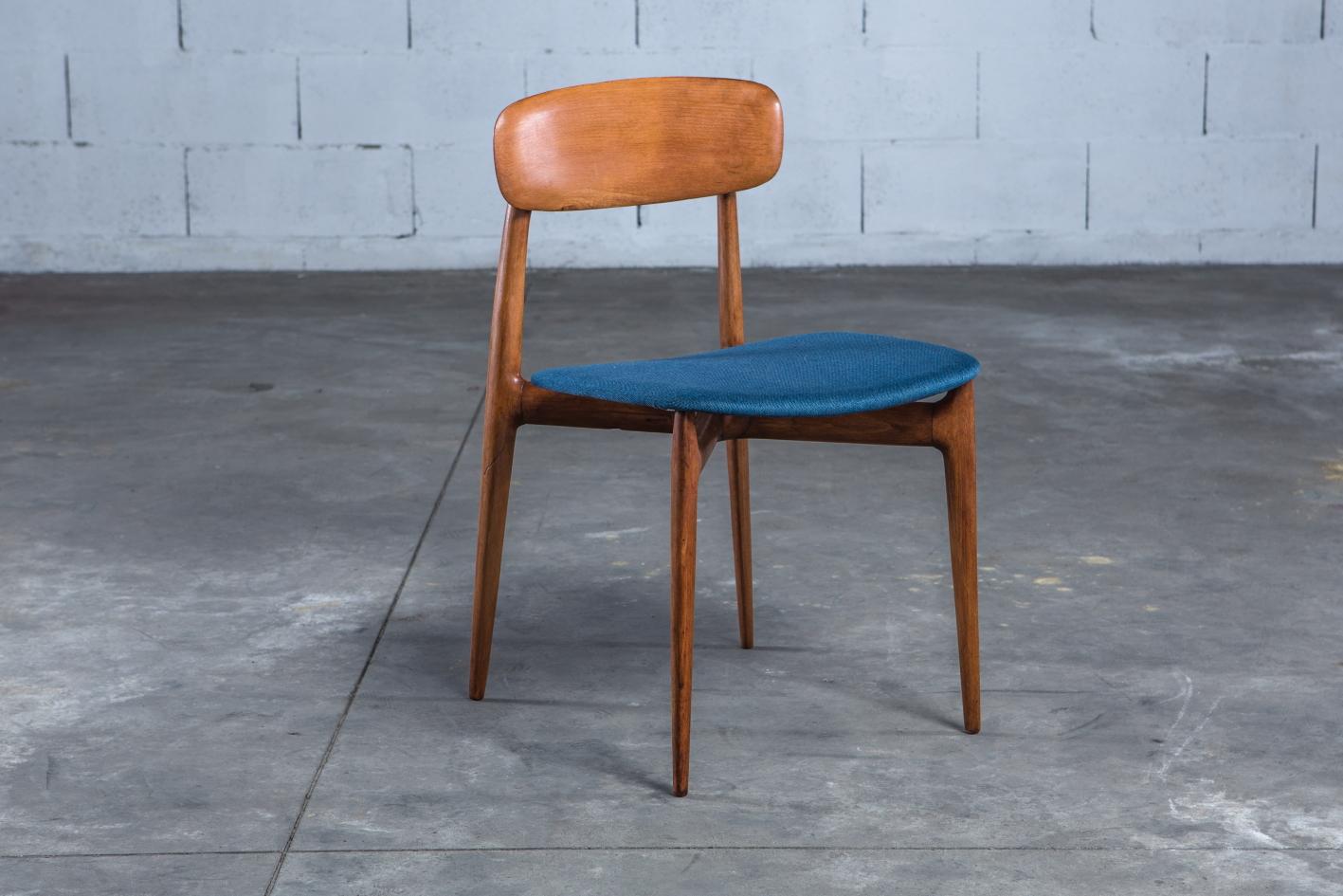 4 Mid century Vintage Italian dining chairs Ico Parisi 1950s - 3/4 view