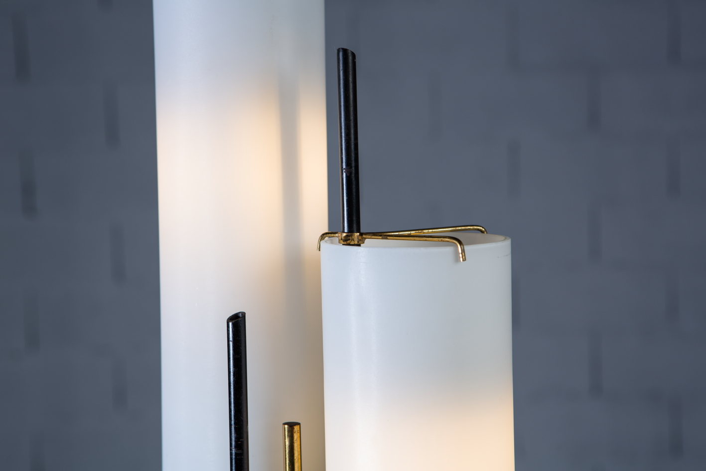 Three arms Floor Lamp made by marble, brass and glass - Stilnovo Italy 1950s - Glass detail