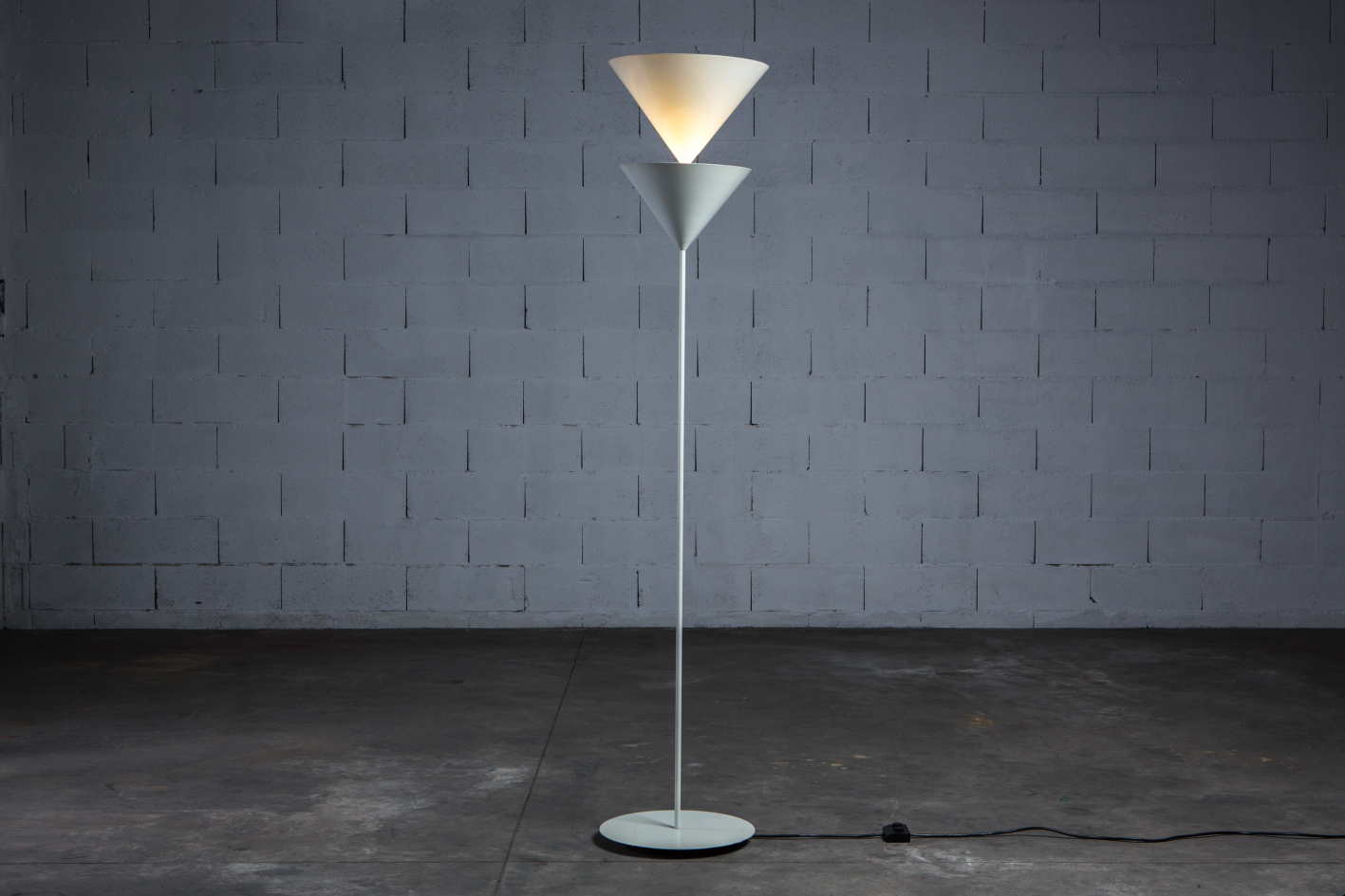 Floor lamp Model 340 Pascal - Vico Magistretti for O-Luce - Lights on