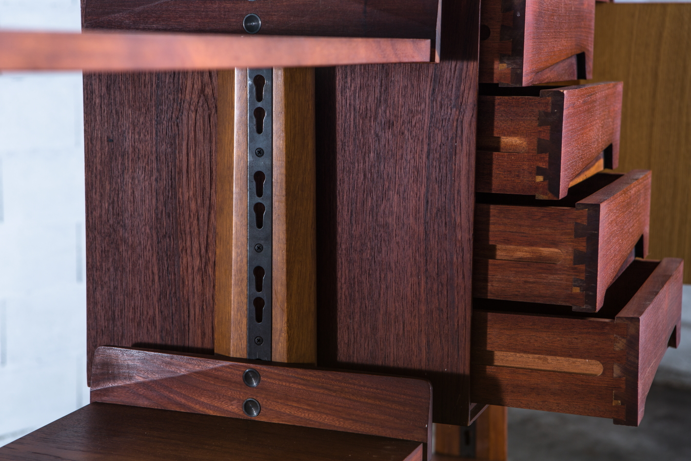Free standing wall unit, Palutari for Dassi - Drawers and joints