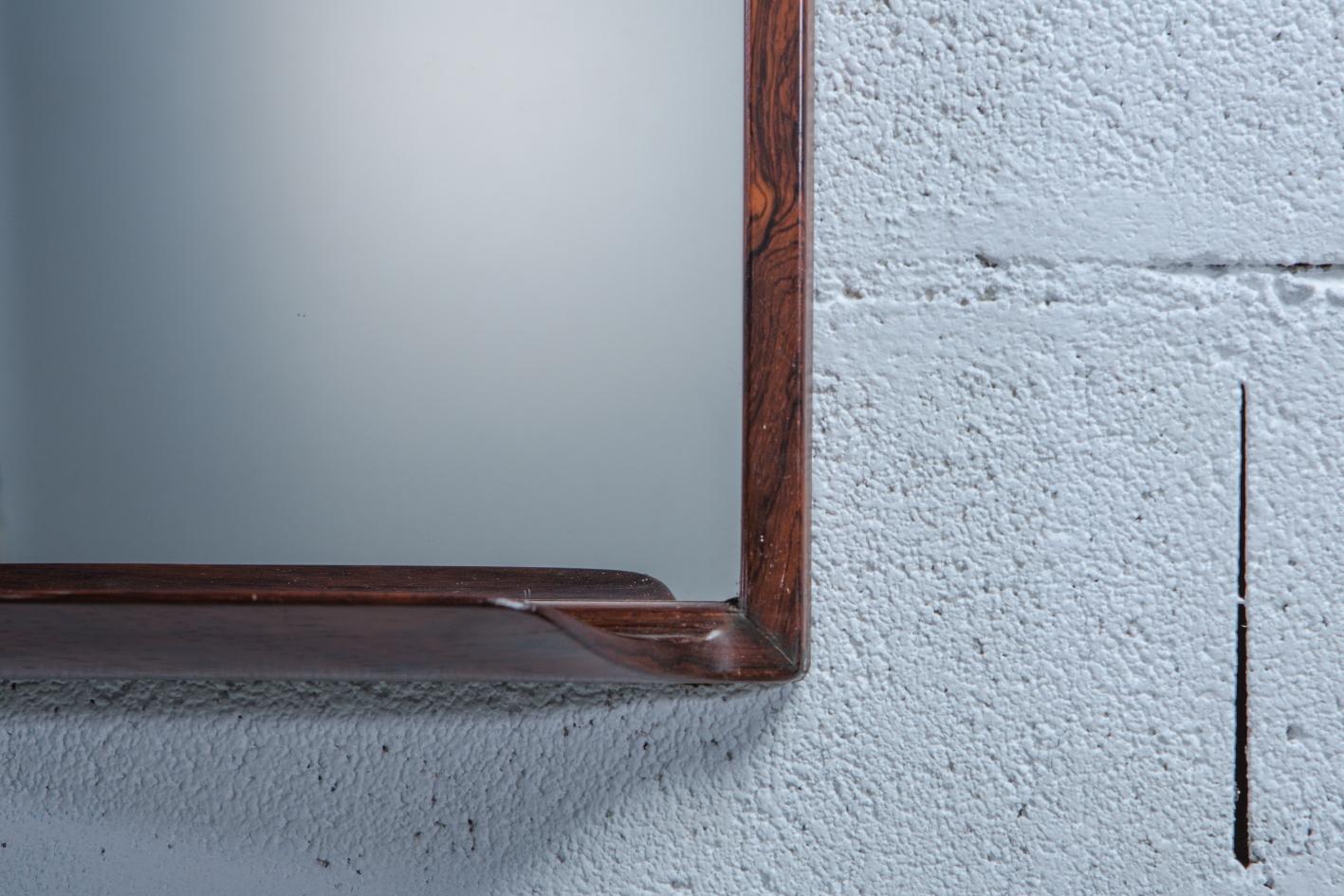 Rosewood Mirror by Uno & Östen Kristiansson for Luxus - Wood grain detail