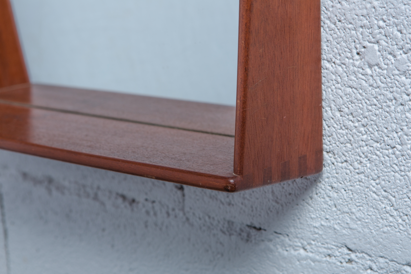 Teak Mirror by Östen Kristiansson for Vittsjö Möbel - Joints detail