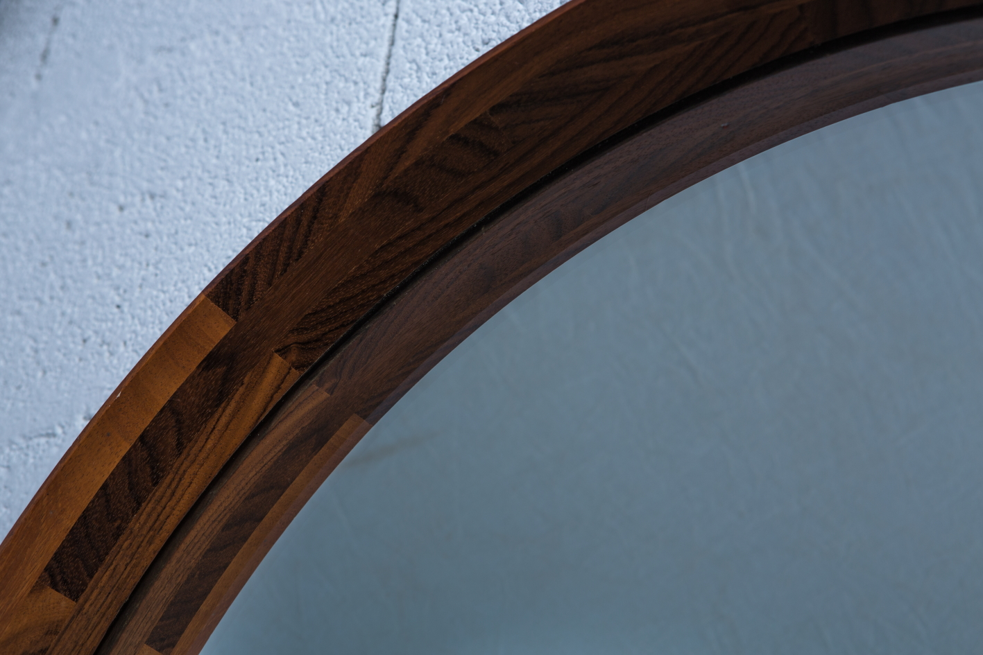 Unique Mid Century Italian Wood Round Mirror produced by Poggi Pavia 1950s Italy - Wood Construction detail