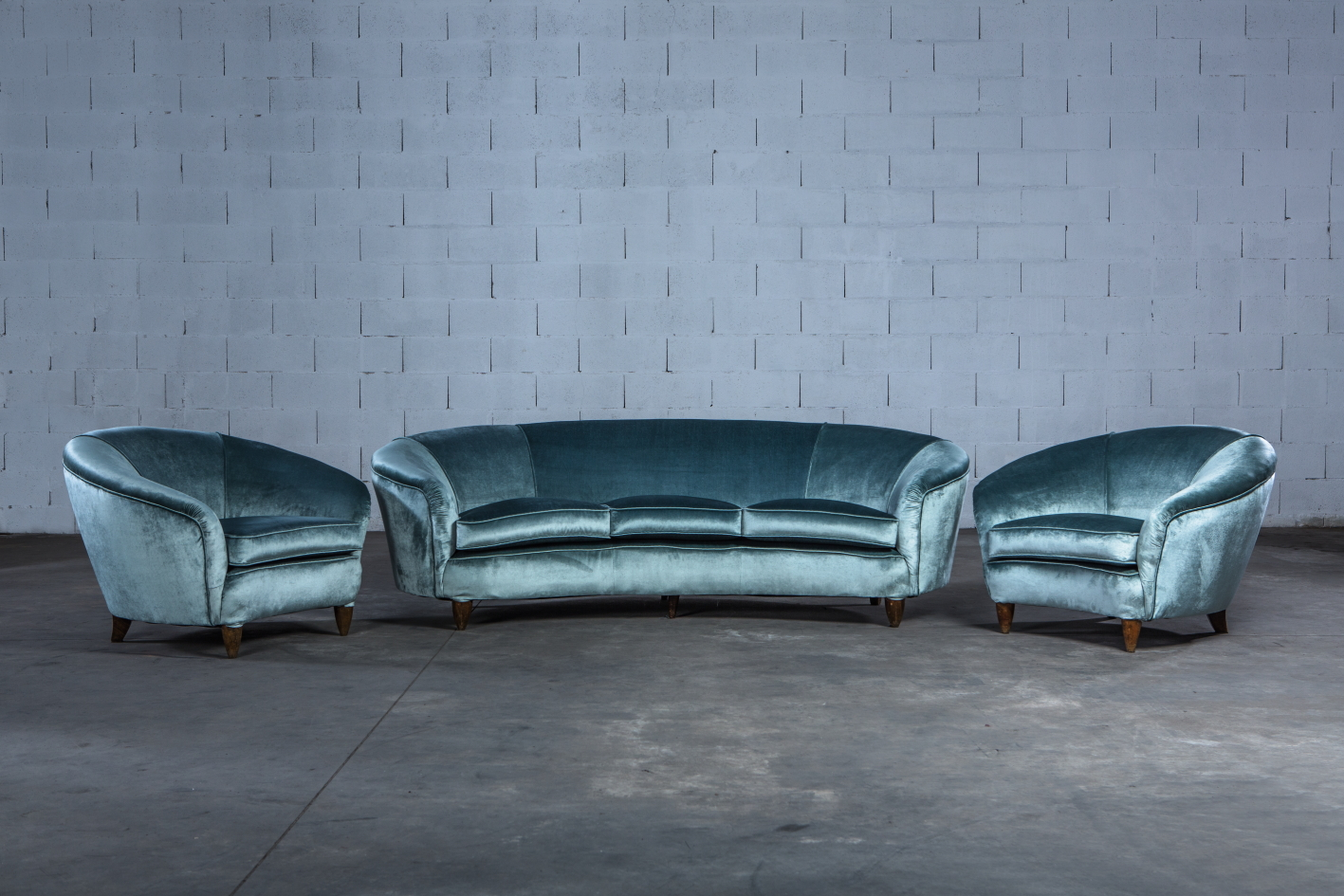 Three seater Italian curved sofa - 1940s - front view