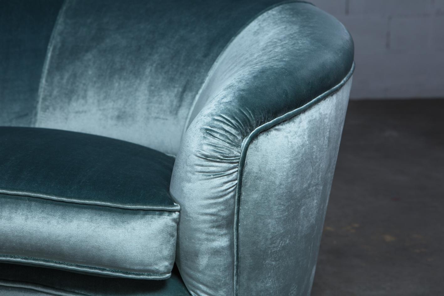 Three seater mid century Italian curved sofa - 1940s - light blue velvet