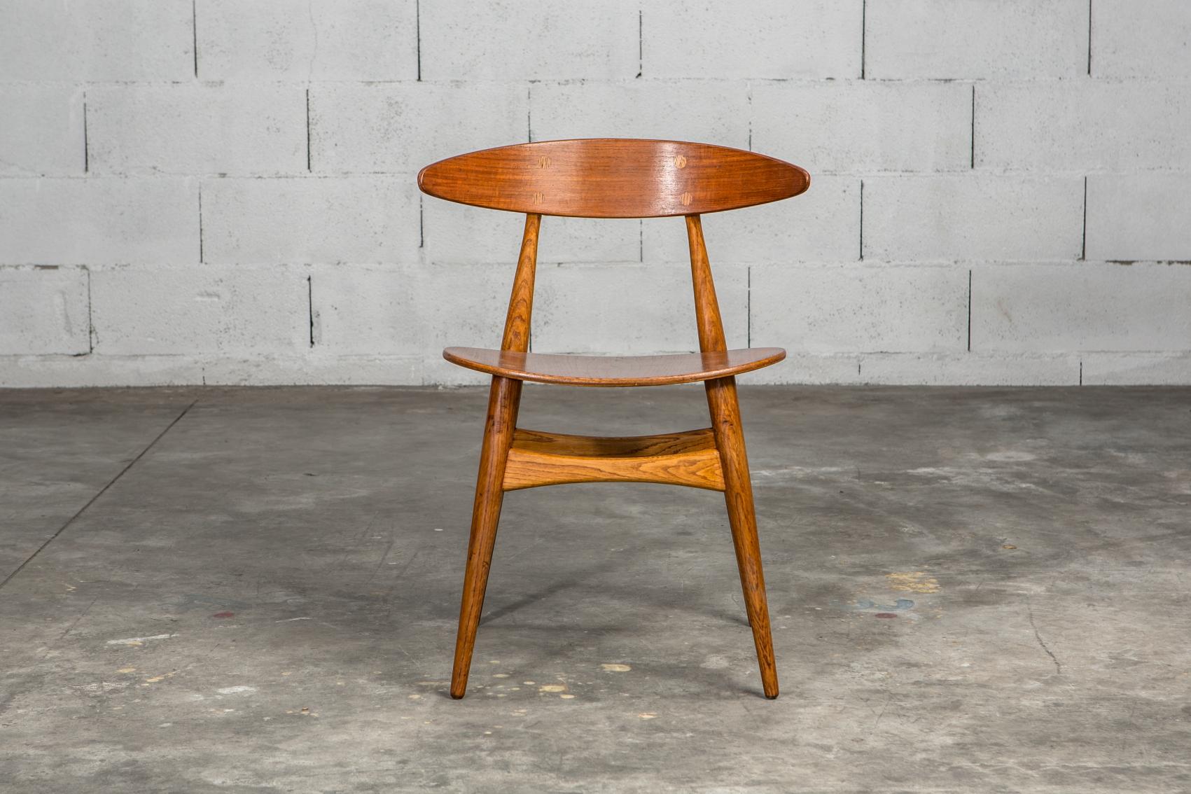 Molded teak backrests and oak frames CH 33 chairs - Hans J. Wegner for Carl Hansen & Son - Front view