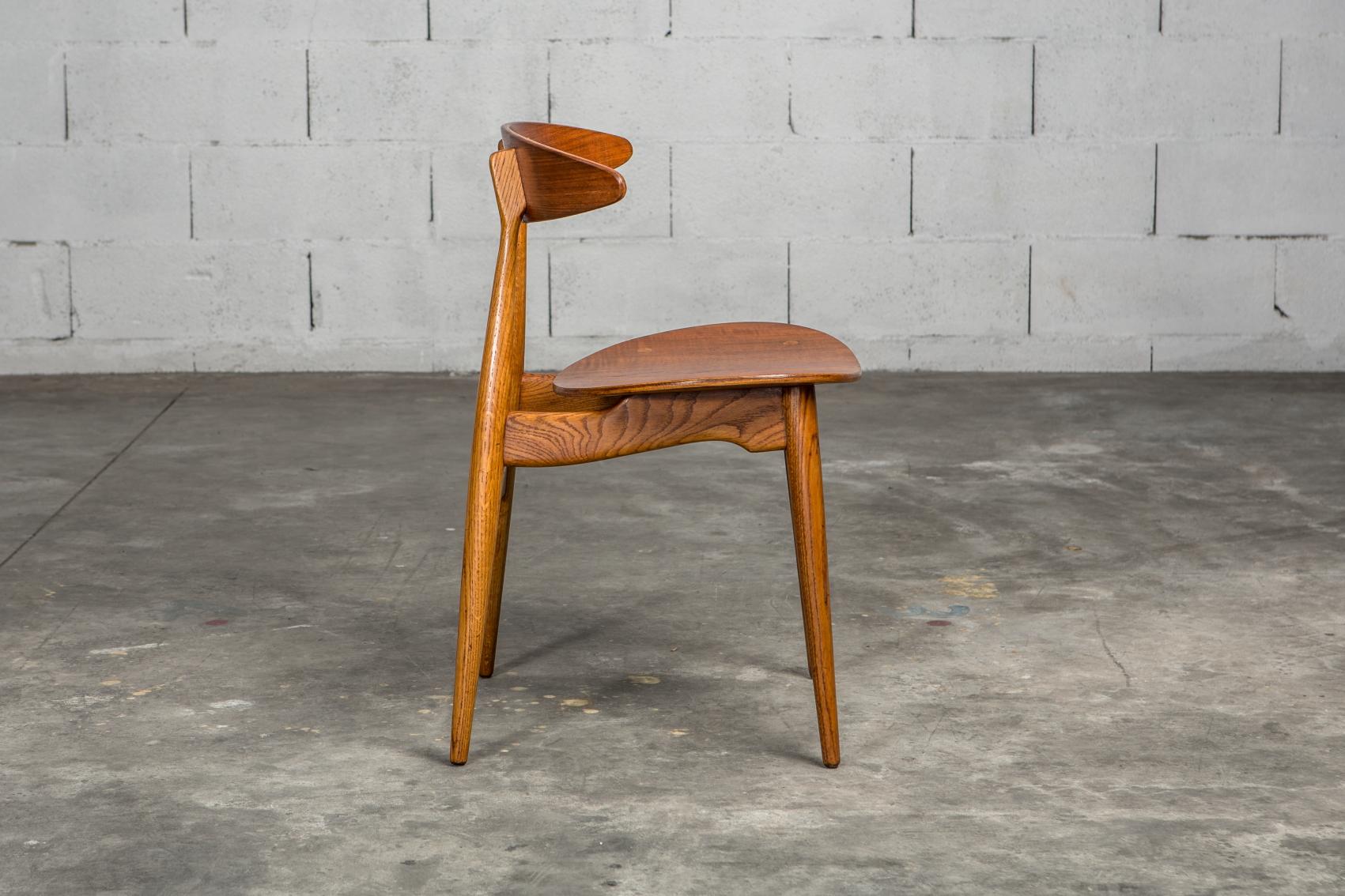 Molded teak backrests and oak frames CH 33 chairs - Hans J. Wegner for Carl Hansen & Son - Side view