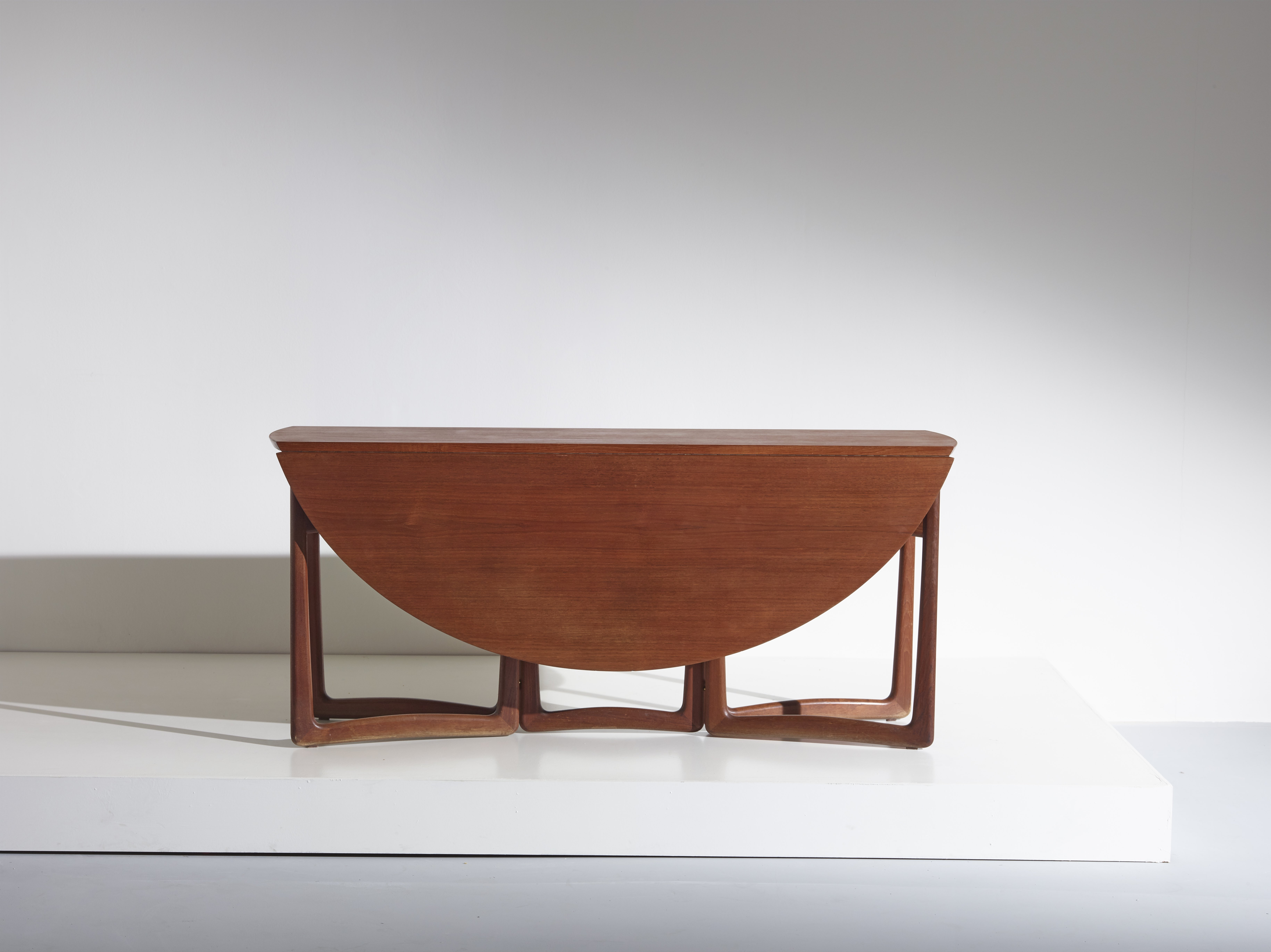 drop leaf dining table Model 20/59 by Peter Hvidt & Orla Molgaard Nielsen