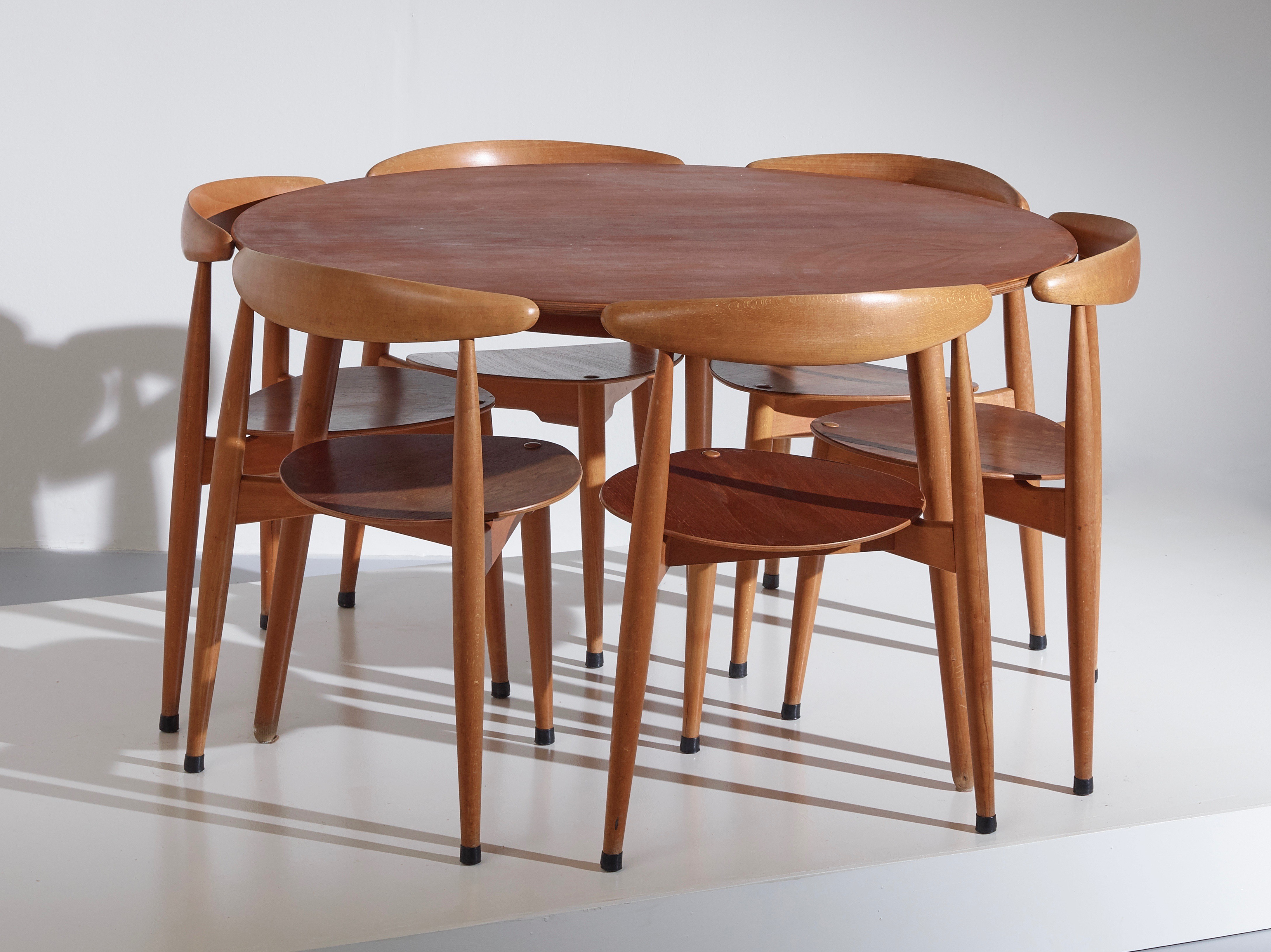 A dining set by H.J. Wegner - Heart chairs model FH4103 - Table model FH4602
